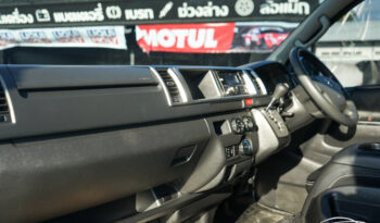 TOYOTA VENTURY 3.0 G AT ปี 2015 full
